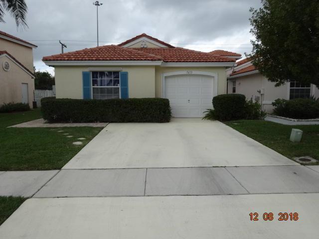 7613 Edisto Drive, Lake Worth, FL 33467 (#RX-10433202) :: The Reynolds Team/Treasure Coast Sotheby's International Realty