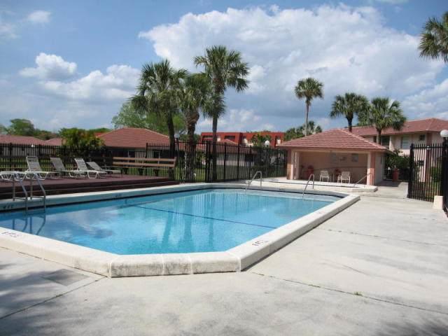 9919 Three Lakes Circle 13G, Boca Raton, FL 33428 (#RX-10562874) :: Ryan Jennings Group