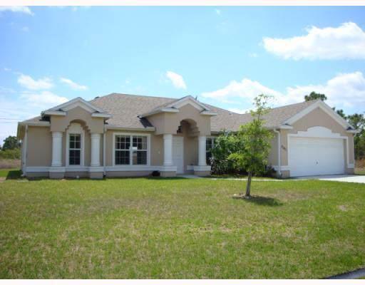 2201 SE Merrill Road, Port Saint Lucie, FL 34952 (MLS #RX-10565941) :: Berkshire Hathaway HomeServices EWM Realty