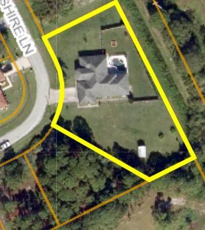 2085 SW Hampshire Lane, Port Saint Lucie, FL 34953 (#RX-10716885) :: Michael Kaufman Real Estate