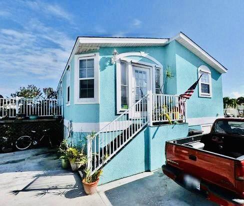 26 Nettles Boulevard, Jensen Beach, FL 34957 (MLS #RX-10722502) :: The Paiz Group