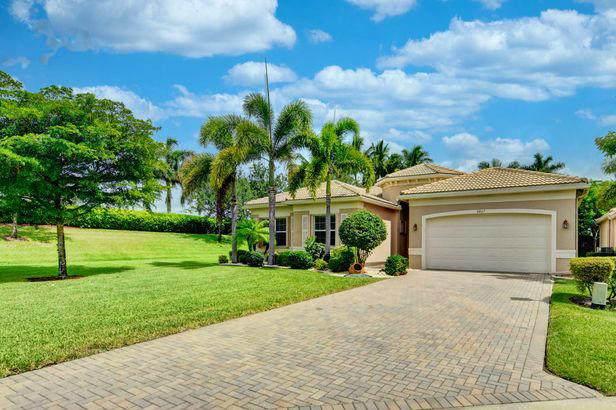 9867 Bluefield Drive, Boynton Beach, FL 33473 (#RX-10723694) :: Michael Kaufman Real Estate