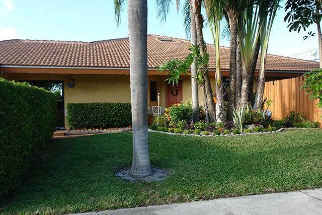 4420 NE 5th Avenue, Boca Raton, FL 33431 (#RX-10718501) :: Heather Towe | Keller Williams Jupiter