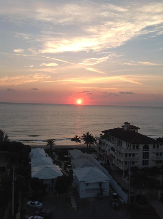3450 S Ocean Boulevard Ph6, Highland Beach, FL 33487 (#RX-10363526) :: Ryan Jennings Group