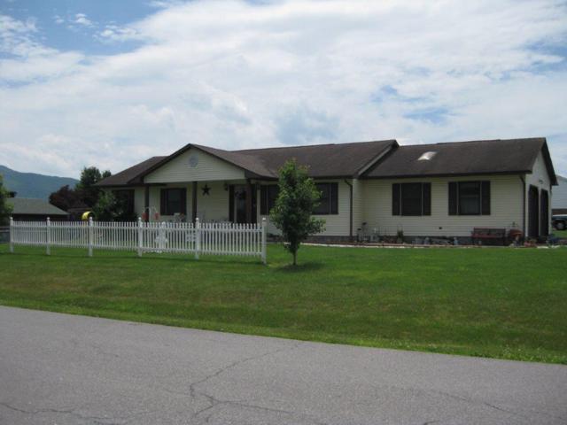 3881 Briarcliff Dr, Pulaski, VA 24301 (MLS #860032) :: Five Doors Real Estate