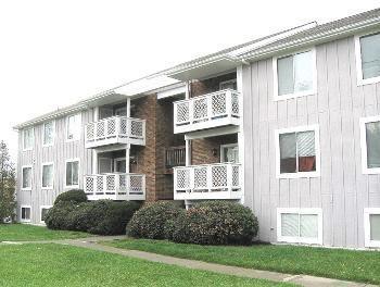 1207 University Ter Unit E, Blacksburg, VA 24060 (MLS #859155) :: Five Doors Real Estate