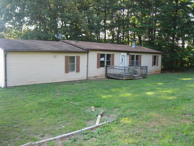 335 Glen Dr, Rocky Mount, VA 24151 (MLS #860731) :: Five Doors Real Estate