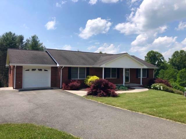 222 Woods Gap Rd SE, Floyd, VA 24091 (MLS #864766) :: Five Doors Real Estate