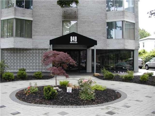 849 Delaware Avenue #201, Buffalo, NY 14209 (MLS #B1126683) :: The CJ Lore Team | RE/MAX Hometown Choice
