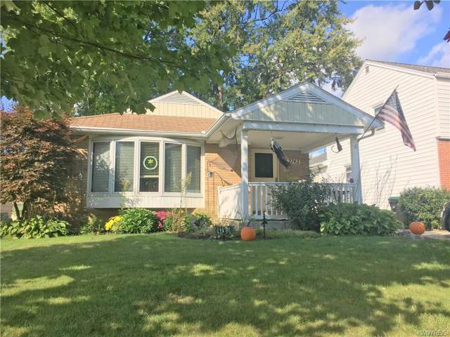 2742 Colvin Boulevard, Tonawanda-Town, NY 14150 (MLS #B1225939) :: The Rich McCarron Team