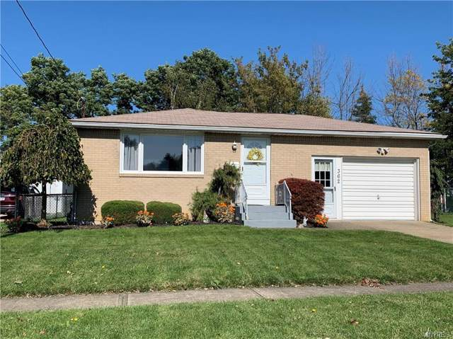 362 Summit Avenue, West Seneca, NY 14224 (MLS #B1232338) :: The Glenn Advantage Team at Howard Hanna Real Estate Services