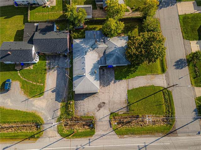 1235 Center Road, West Seneca, NY 14224 (MLS #B1295429) :: Lore Real Estate Services