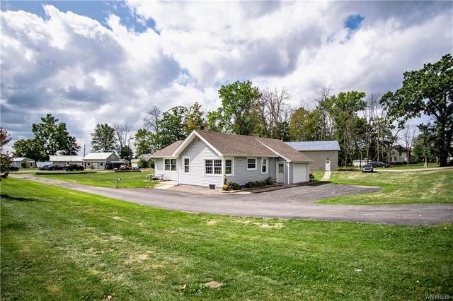 2292 River Road Road, Wheatfield, NY 14304 (MLS #B1295978) :: Lore Real Estate Services
