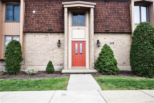 225 Charter Oaks Drive #4, Amherst, NY 14228 (MLS #B1310181) :: BridgeView Real Estate Services