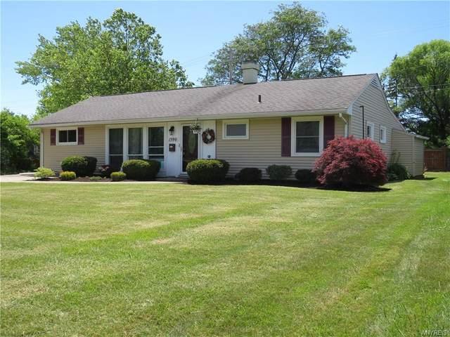 1590 Broadway, Grand Island, NY 14072 (MLS #B1345078) :: BridgeView Real Estate Services