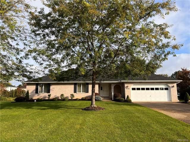 8250 Lisa Ln, Clarence, NY 14051 (MLS #B1373324) :: Serota Real Estate LLC