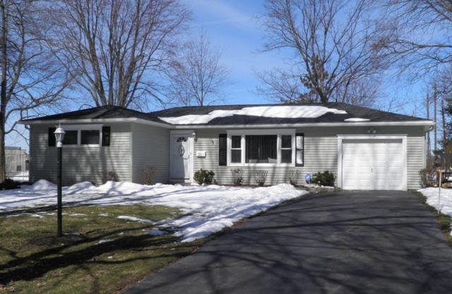 71 Hotchkiss Cir, Penfield, NY 14526 (MLS #R1105881) :: The Chip Hodgkins Team