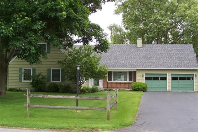 2 Creekside Drive, Mendon, NY 14472 (MLS #R1124144) :: Robert PiazzaPalotto Sold Team