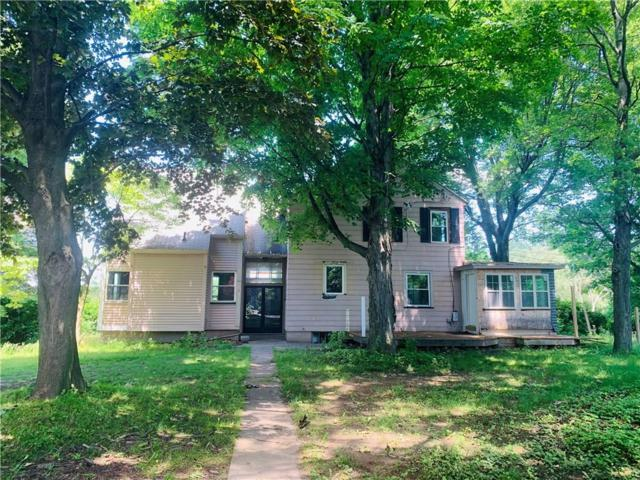 1041 Brown Road, Irondequoit, NY 14622 (MLS #R1204933) :: BridgeView Real Estate Services