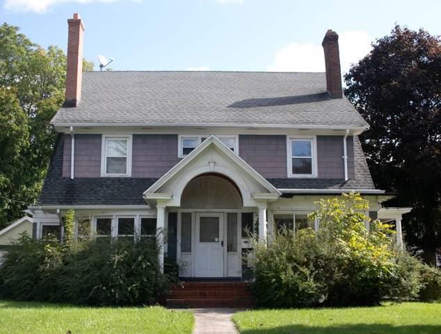 1110 Genesee Park Boulevard, Rochester, NY 14619 (MLS #R1231774) :: Updegraff Group