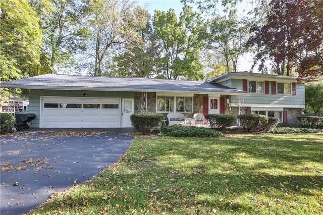 15 Bright Oaks Drive, Chili, NY 14624 (MLS #R1232592) :: BridgeView Real Estate Services