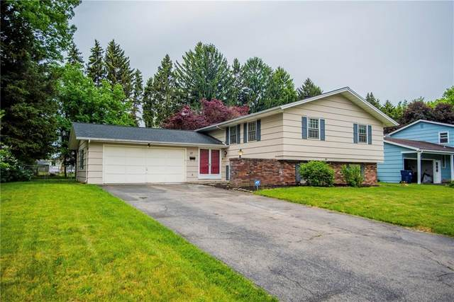 57 Oakbend Lane, Irondequoit, NY 14617 (MLS #R1267795) :: Robert PiazzaPalotto Sold Team