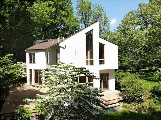 477 Harrogate Drive, Penfield, NY 14625 (MLS #R1268706) :: Robert PiazzaPalotto Sold Team