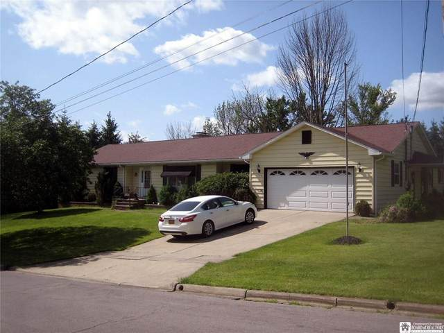 135 Hunter Street, Jamestown, NY 14701 (MLS #R1284068) :: BridgeView Real Estate Services