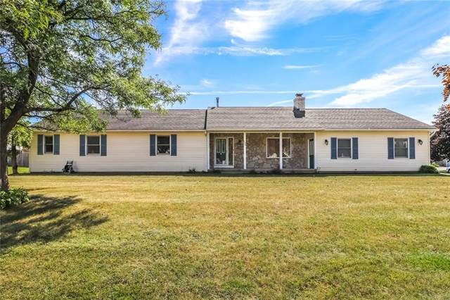 122 Battle Green Drive, Chili, NY 14624 (MLS #R1295628) :: Lore Real Estate Services