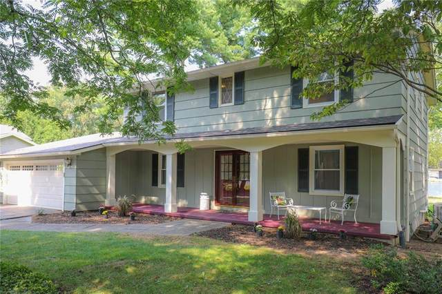 976 Whalen Road, Penfield, NY 14526 (MLS #R1295998) :: Lore Real Estate Services