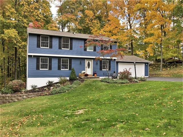 32 Chesham Way, Perinton, NY 14450 (MLS #R1302468) :: Robert PiazzaPalotto Sold Team