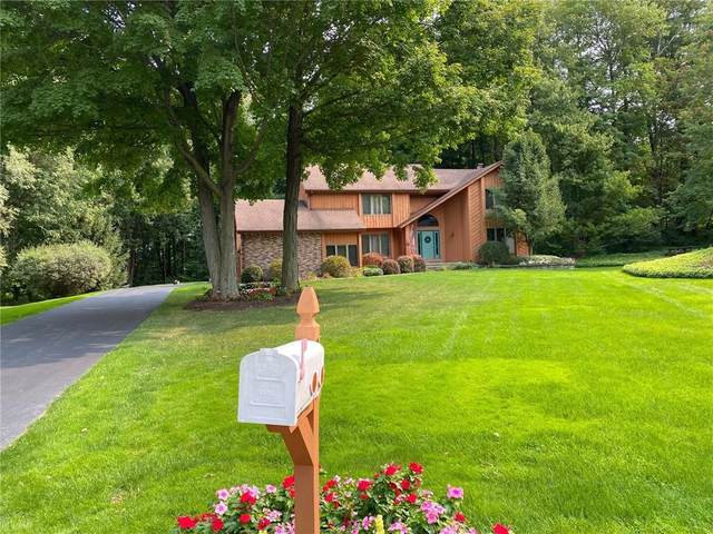 29 Woodbriar Lane, Chili, NY 14624 (MLS #R1302943) :: Thousand Islands Realty