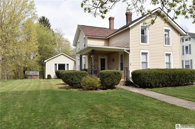 17 Chestnut Street, Westfield, NY 14787 (MLS #R1330450) :: BridgeView Real Estate Services