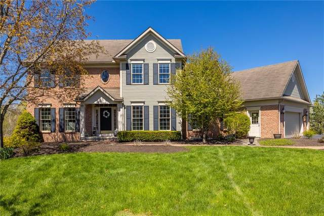15 Crownwood Circle, Pittsford, NY 14534 (MLS #R1333639) :: Lore Real Estate Services