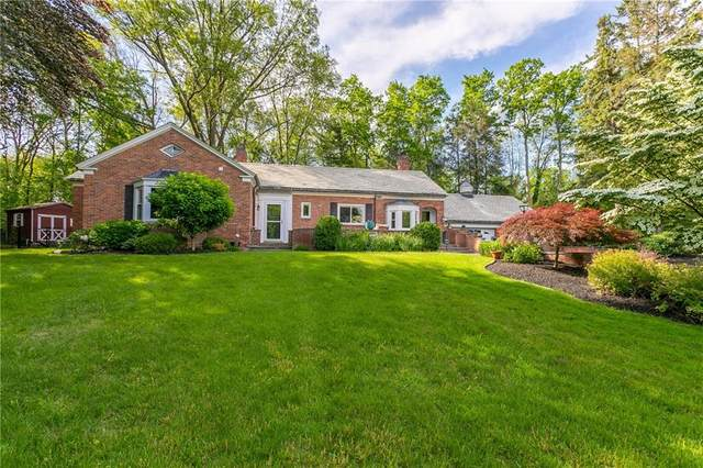 23 Briar Patch Road, Pittsford, NY 14618 (MLS #R1344969) :: Lore Real Estate Services