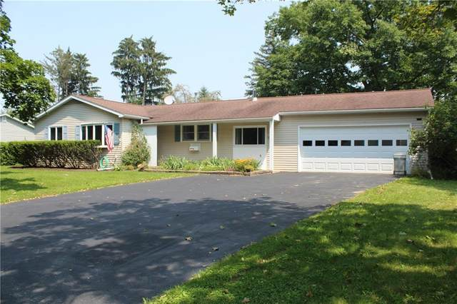 39 Stuyvesant Manor, Geneseo, NY 14454 (MLS #R1354731) :: Robert PiazzaPalotto Sold Team