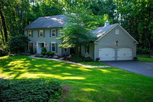 28 Great Oak Ln, Perinton, NY 14534 (MLS #R1354850) :: MyTown Realty