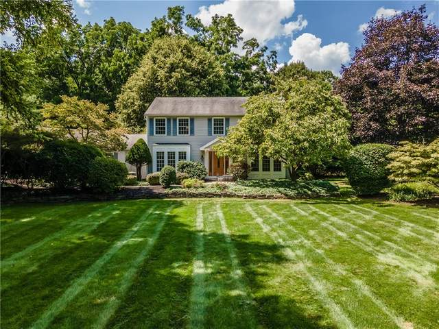 7 Park Place, Penfield, NY 14625 (MLS #R1365321) :: BridgeView Real Estate