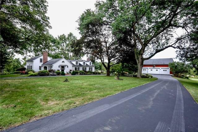 240 W Bloomfield Road, Pittsford, NY 14534 (MLS #R1366418) :: Lore Real Estate Services