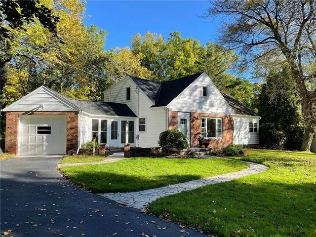 16 W Jefferson Road, Pittsford, NY 14534 (MLS #R1373707) :: Lore Real Estate Services