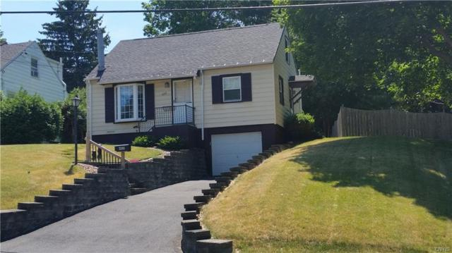 402 Beverly Drive, Camillus, NY 13219 (MLS #S1127846) :: The Chip Hodgkins Team