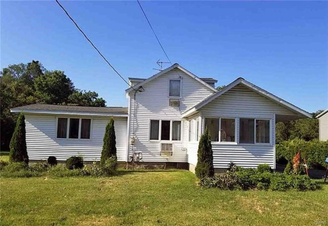 7413 E Main Street, Westmoreland, NY 13490 (MLS #S1216028) :: 716 Realty Group