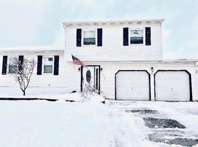 5943 Brigadier Drive, Cicero, NY 13039 (MLS #S1252408) :: The CJ Lore Team | RE/MAX Hometown Choice