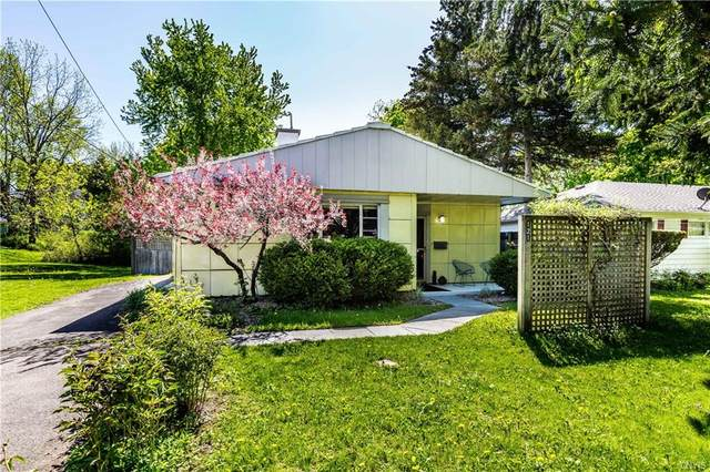 121 Manor Drive, Syracuse, NY 13214 (MLS #S1266068) :: MyTown Realty