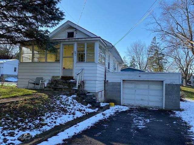 301 Gillespie Avenue, Camillus, NY 13219 (MLS #S1310601) :: TLC Real Estate LLC