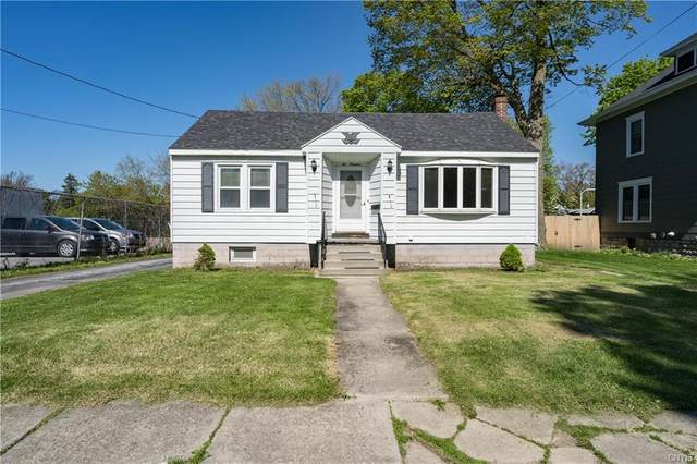 219 N Hamilton Street, Watertown-City, NY 13601 (MLS #S1336310) :: 716 Realty Group