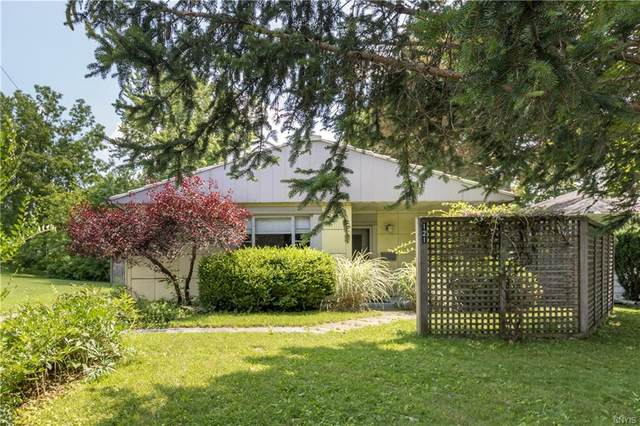 121 Manor Drive, Syracuse, NY 13214 (MLS #S1352146) :: Robert PiazzaPalotto Sold Team