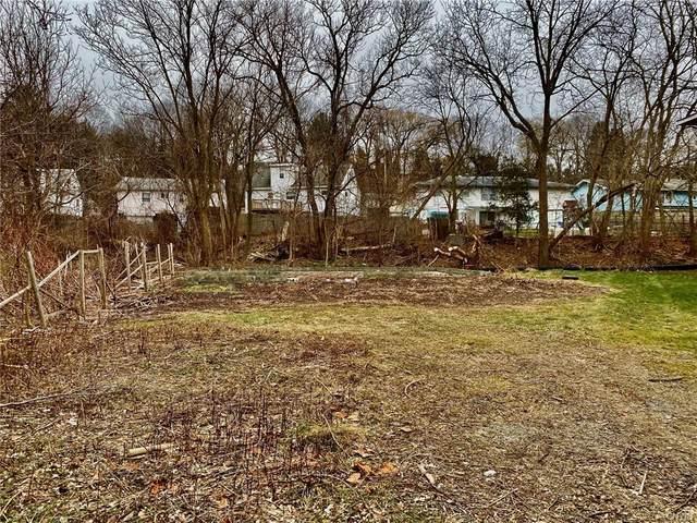 223 Seneca Drive, Syracuse, NY 13205 (MLS #S1367063) :: Robert PiazzaPalotto Sold Team