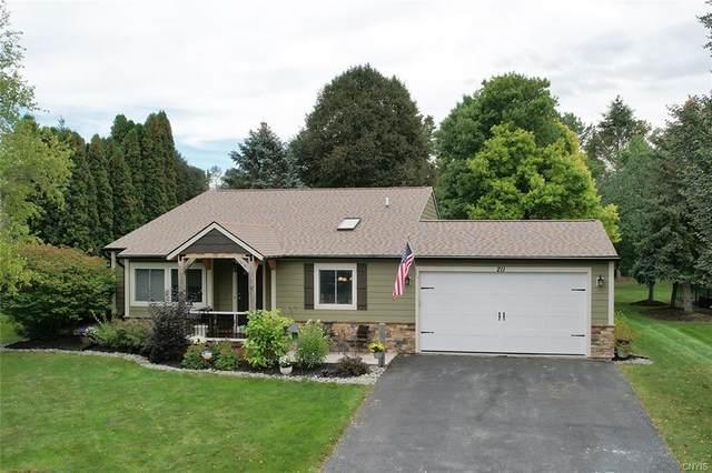211 Woodmont Drive, Camillus, NY 13031 (MLS #S1368276) :: BridgeView Real Estate