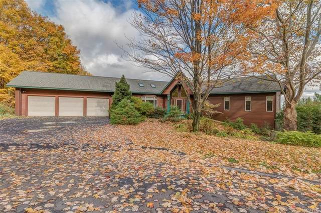 8866 Mulberry Lane, Manlius, NY 13104 (MLS #S1371617) :: MyTown Realty